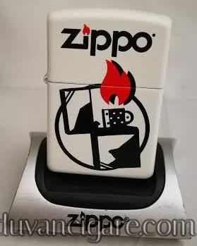 Zippo upaljac logo beli